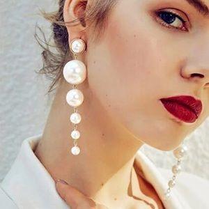 Jewelry - 🆕 Long drop pearl statement earrings